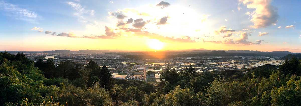 米田白山から美濃加茂市を見る