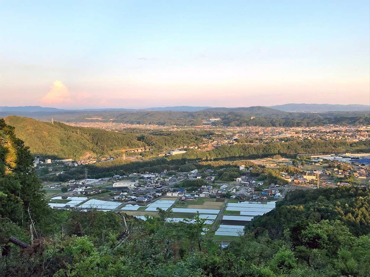 米田白山から可児市を見る